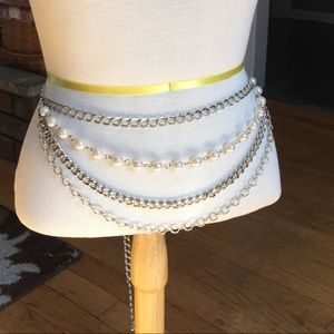 Silver tone and white beaded 4 tiered chain belt